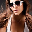 Glamor woman with sunglasses — Stock Photo