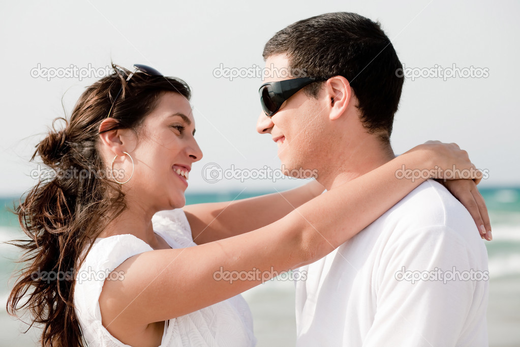 Love couple look each other and smile, outdoor — Stock Photo #1142818