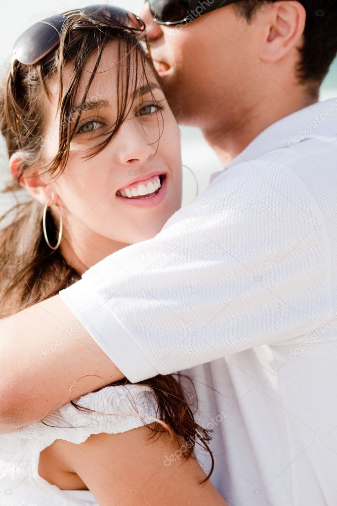 Closeup Portrait Of A Cute Couple Hugging , Focus On Female — Stock Photo #1143024
