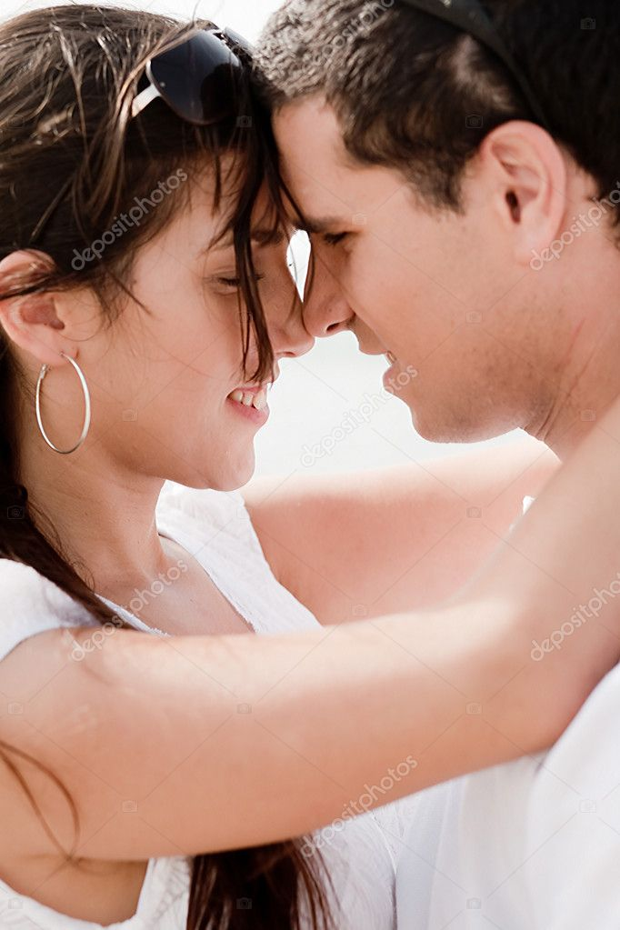 Closeup Portrait Of A Cute Couple Hugging , Outdoor — Stock Photo #1143070