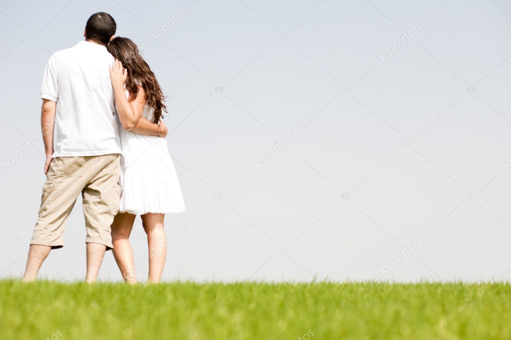 Young couple hug, park — Stock Photo #1144119