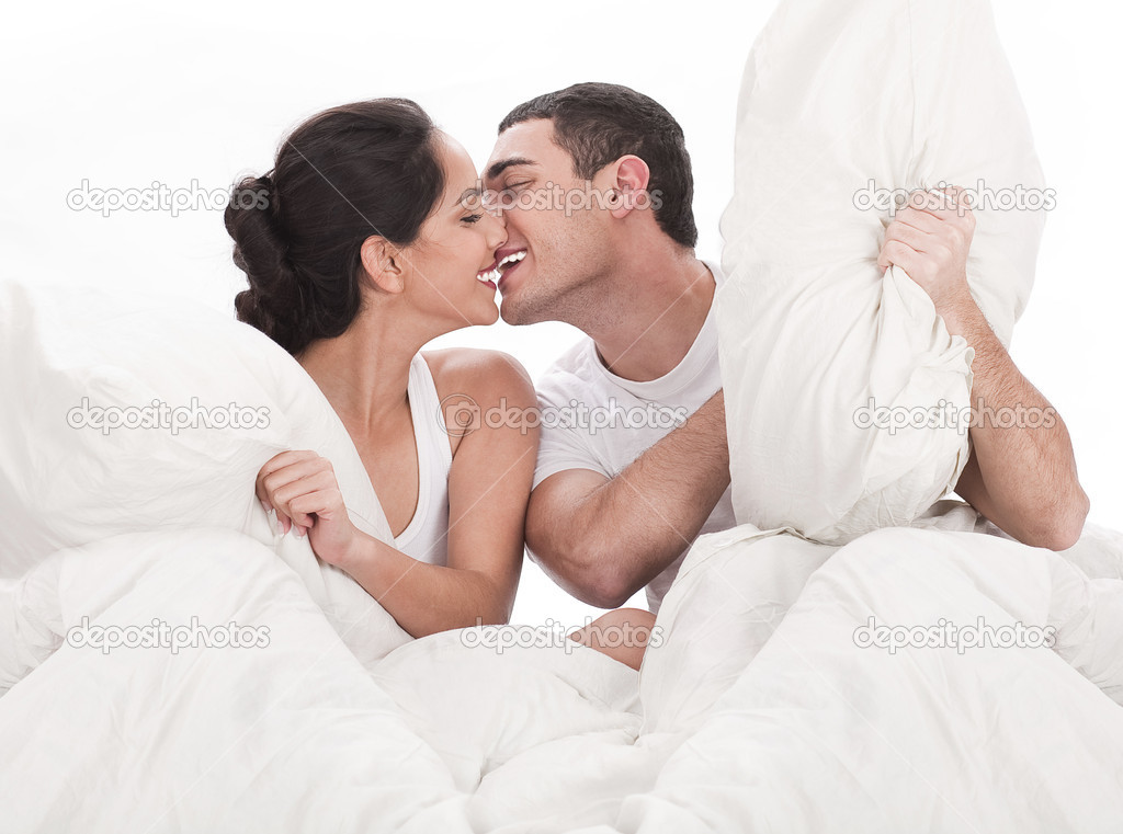 Free Download Wedding Kiss In Bed Games Programs