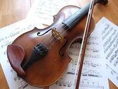 旧小提琴 — 图库照片