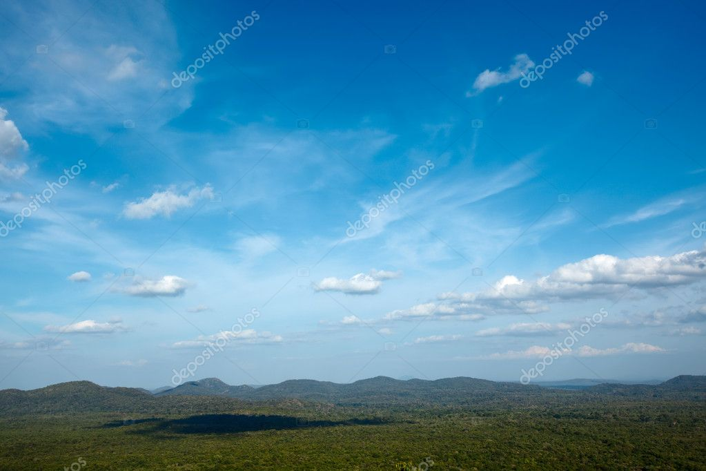 Sky above small mountains, covered with trees. Sri Lanka — Stock Photo #1083575