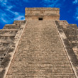 Stairs on Mayan pyramid in Chichen-Itza, — Stock Photo #1095763