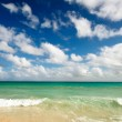 Beautiful beach and sea — Stock Photo #1096095