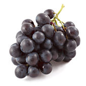 Bunch of black grapes isolated — Stock Photo