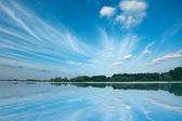 Tranquil lake with beautiful sky. Nesvizh, Bela — Stock Photo