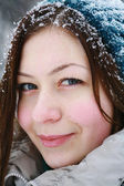 Portret of young girl in winter — Stock Photo