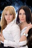 Ritratto dei due girlfri piuttosto giovane — Foto Stock