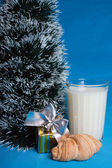 Milk, croissants, souvenir and the tree — Stockfoto
