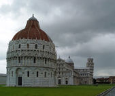 Campo dei miracoli and leaning tower in — Stock Photo