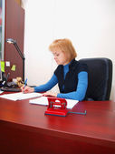 The bookkeeper works with documents — Foto Stock