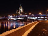 High building on Kotelnichesky quay. — Stock Photo