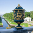 Vintage vase in Peterhof — Stock Photo
