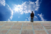 Oldster and deep blue sky — Stock Photo