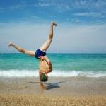 Трюк на пляже — Стоковое фото