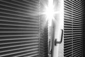 Soleil à travers la fenêtre — Photo
