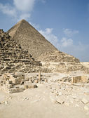 Egyptiska pyramiderna i giza — Stockfoto