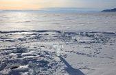 冷冻的贝加尔湖 — 图库照片