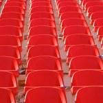 rote leere stadion sitzplätze — Stockfoto