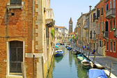 Channel with boats in Venice — Stock Photo