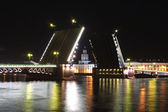 Palace Bridge raising in night — Stock Photo