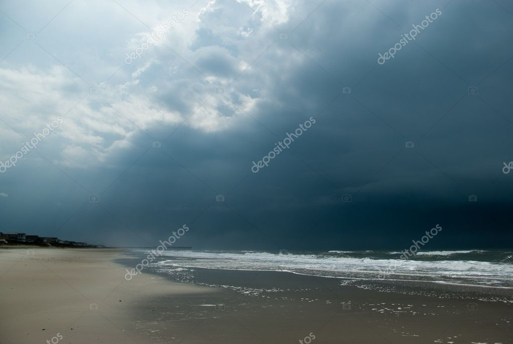 Beach of the Atlantic ocean after the storm — Stock Photo #1132061