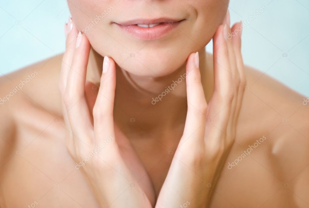 Beautiful young woman close-up portrait — Stock Photo #1297746