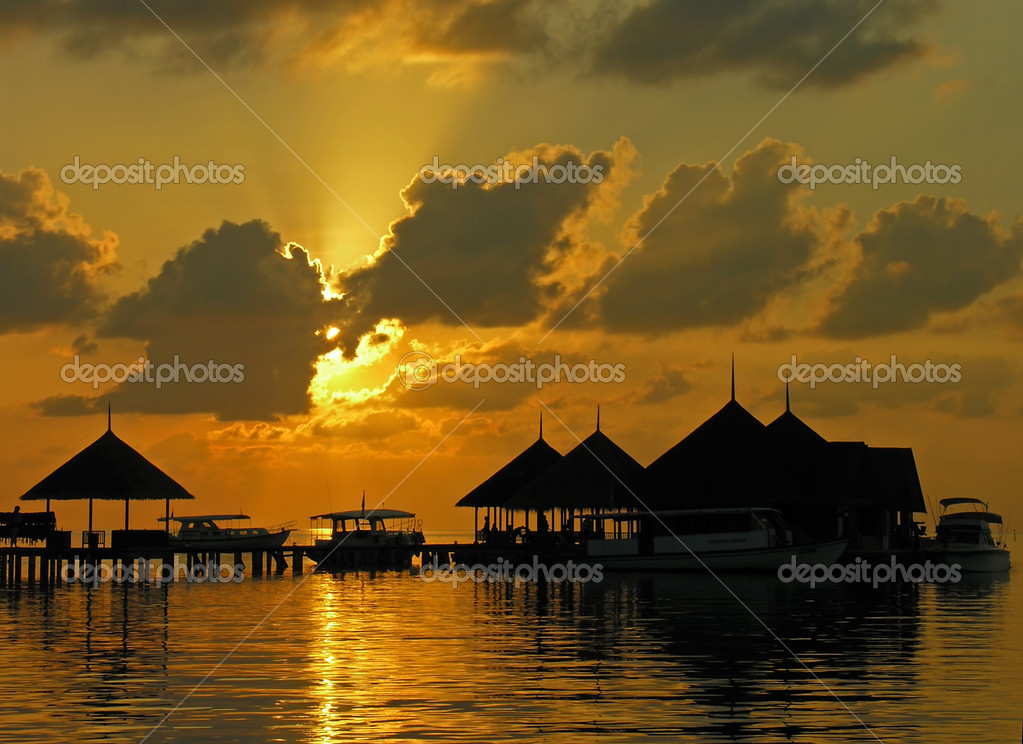 Sunset on Maldives, Kani island — Stock Photo #1094983