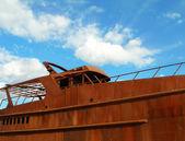 Rusty Boat on blue sky — Stock Photo