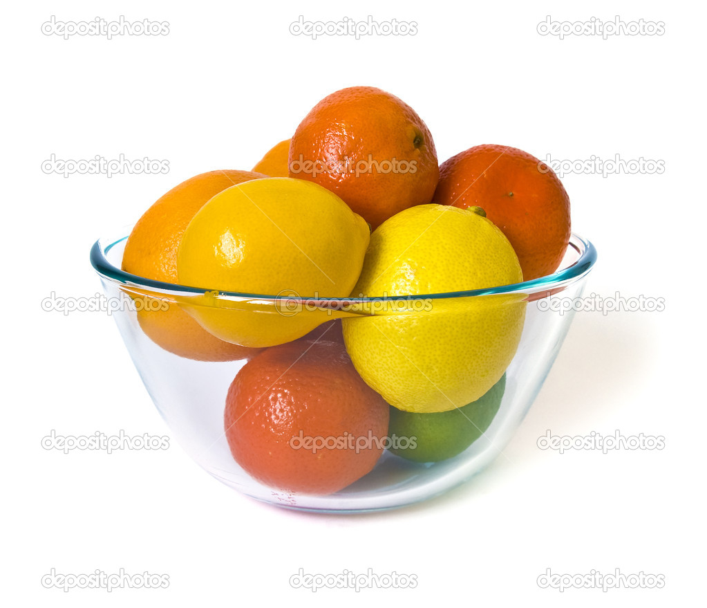 Bowl of citrus fruits on white background — Stock Photo #1109162