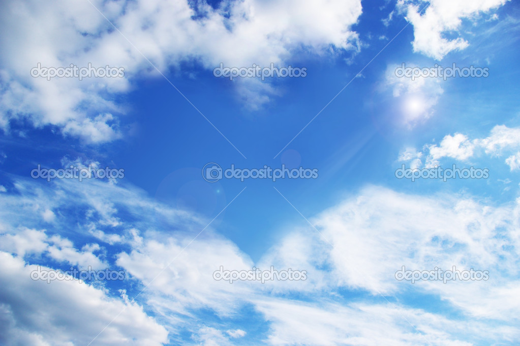 White clouds making a heart shape againt a blue sky  — Stock Photo #1109806
