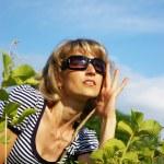 Pretty woman in sunglasses — Stock Photo