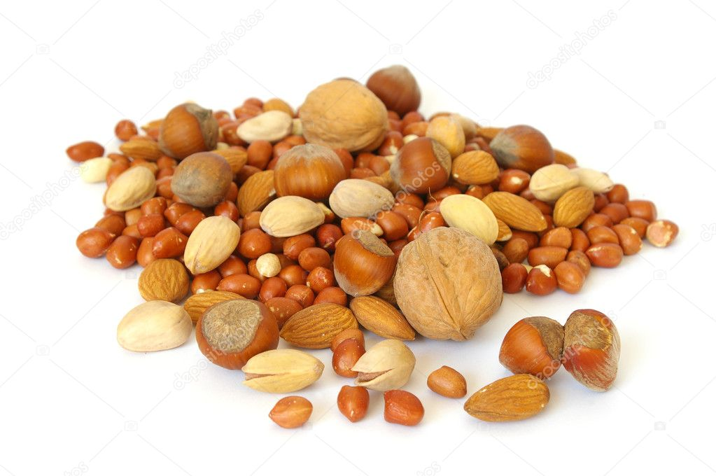 Heap of nuts isolated on white background — Stock Photo #1127829