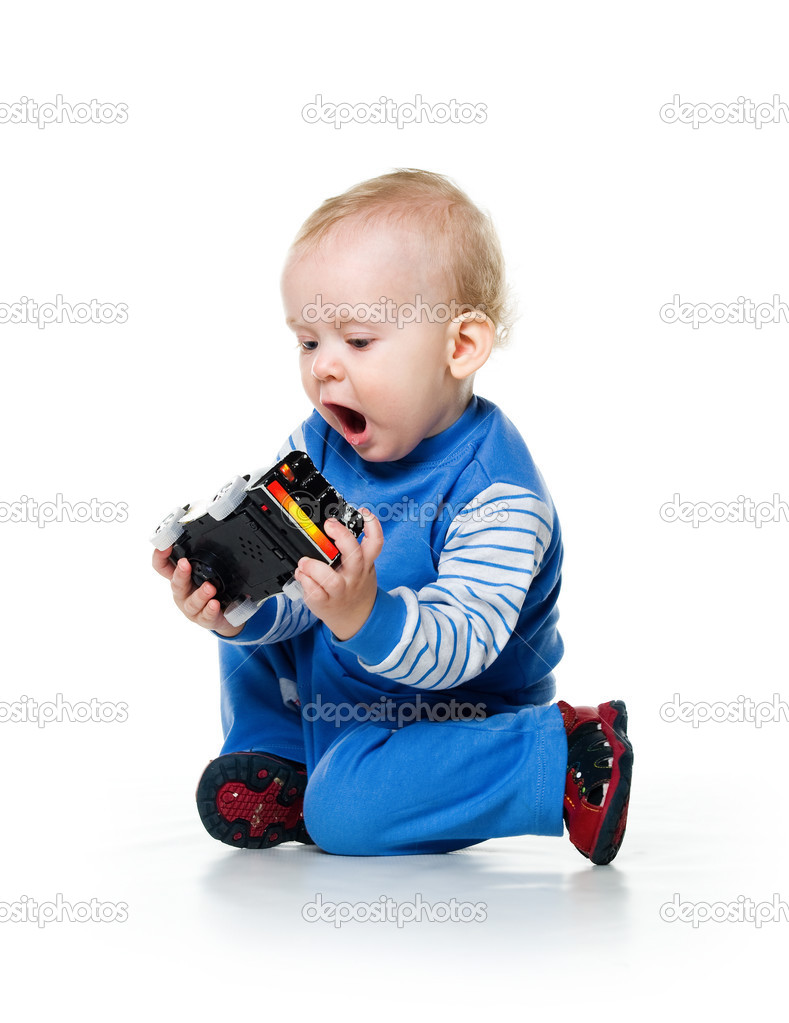 Little Boy Toys : Cute little boy with the car toy — stock photo tan ikk