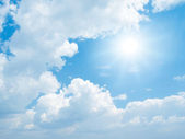 Sun on blue sky. — Stock Photo