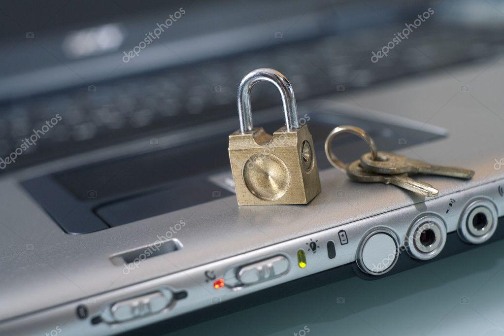 Сброс утраченного пароля на загрузку операционной системы в ноутбуке.