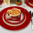 chutné polévky na stůl v restauraci — Stock fotografie