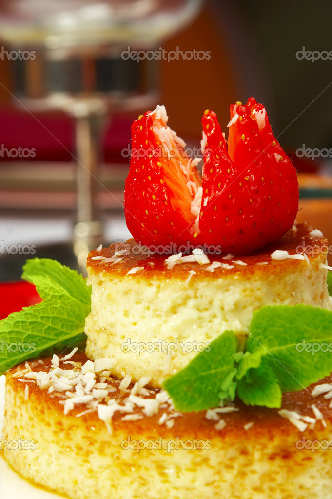 Tasty dessert on a table at restaurant  — Stock Photo #1318729