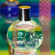 Glass bottles with perfumery. On a color — 图库照片