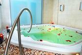 Bagno di jacuzzi — Foto Stock