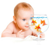 Baby and goldfishs — Foto Stock