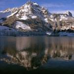 швейцарец, Энгельберг, озеро eugensee — Стоковое фото