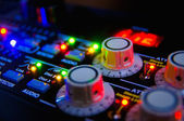 Mesa de mezclas de audio — Foto de Stock