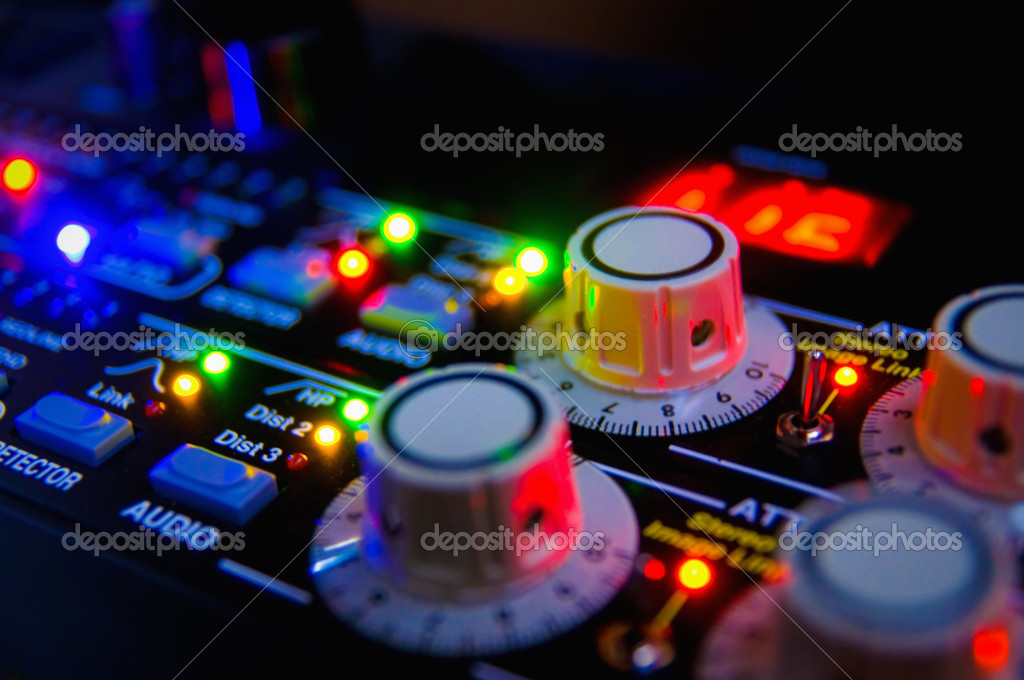 Audio mixing console — Foto de Stock   #1326548