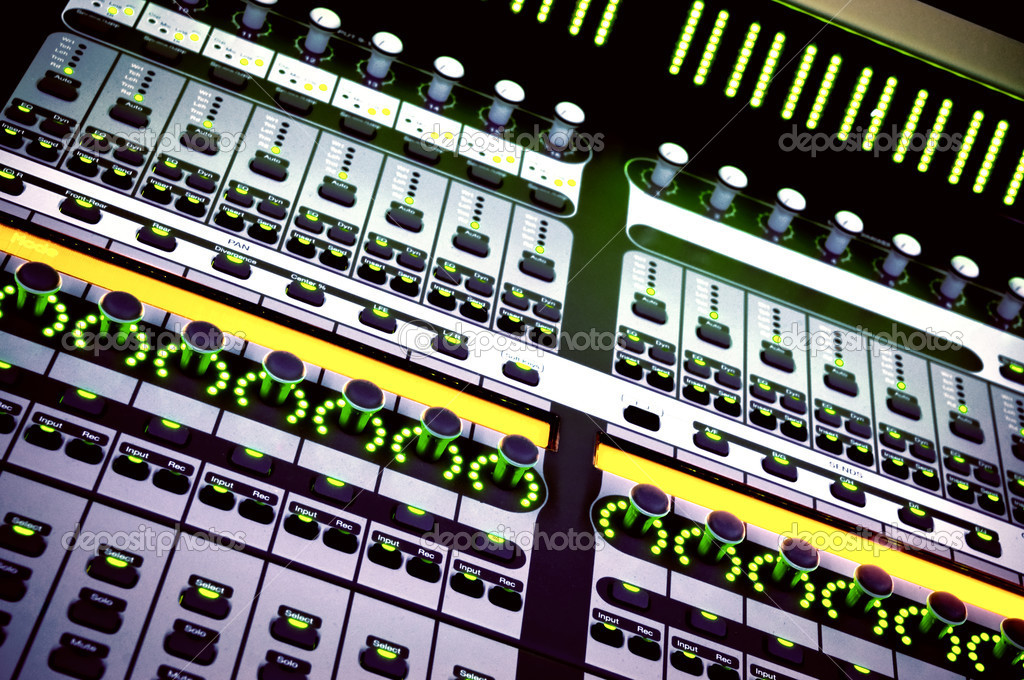 Audio mixing console in a recording studio. Faders and knobs of a sound mixer. — Stock Photo #1326585