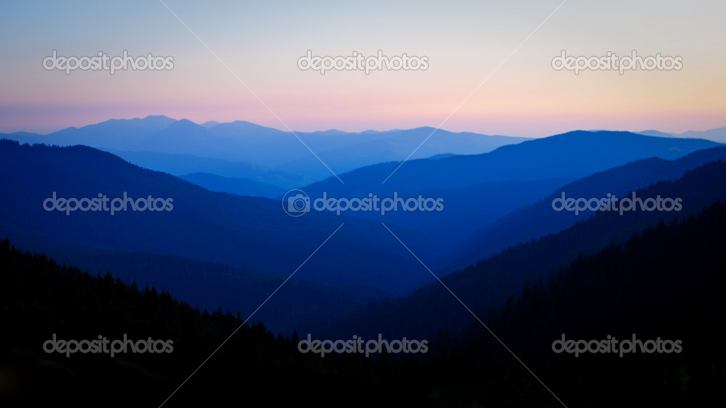 Wild untouched nature mountains — Stock Photo #1940539