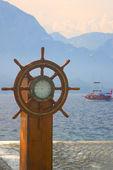 Old ship steering wheel — Stock Photo