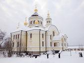 Novo-tikhvin monasterio femenino. — Foto de Stock